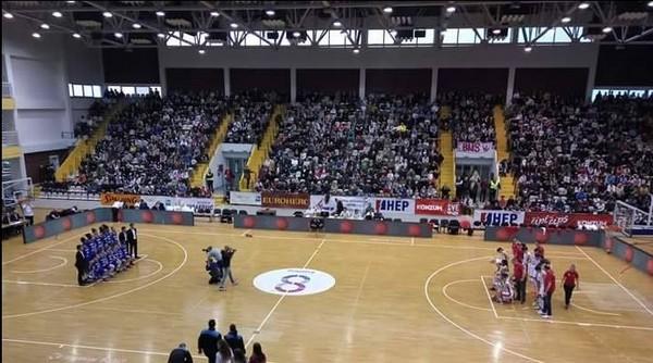 Sportska dvorana Vijuš u Slavonskom Brodu - atmosfera kakva se samo poželjeti može (s utakmice Hrvatska - Francuska)