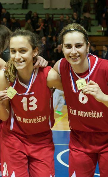 Marija Radoš (13) i Ružica Džankić (6)