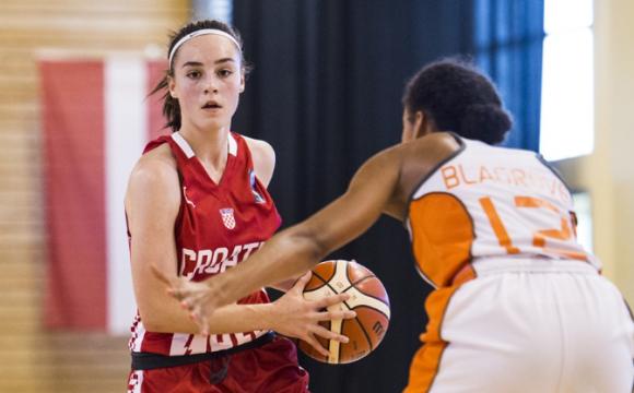 Nika Mühl među FIBA-inih Top 12 juniorki
