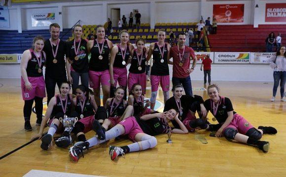 Mlađe kadetkinje: Trešnjevka 2009 prvakinje Hrvatske, srebro KAŽL i bronca Orki